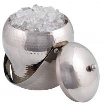 Klassisk-isspand-med-hammer-effekt-og-istang-Isoleret